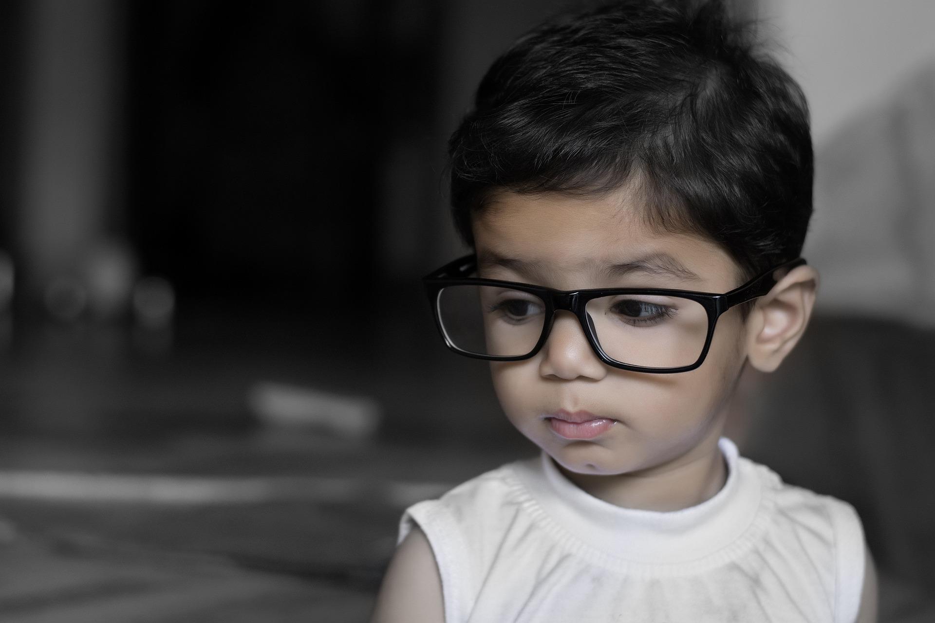 Warum immer mehr Kinder schlecht sehen?