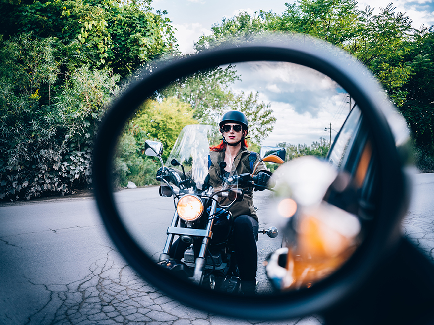 Motorradfahren mit Brille – was muss ich beachten?